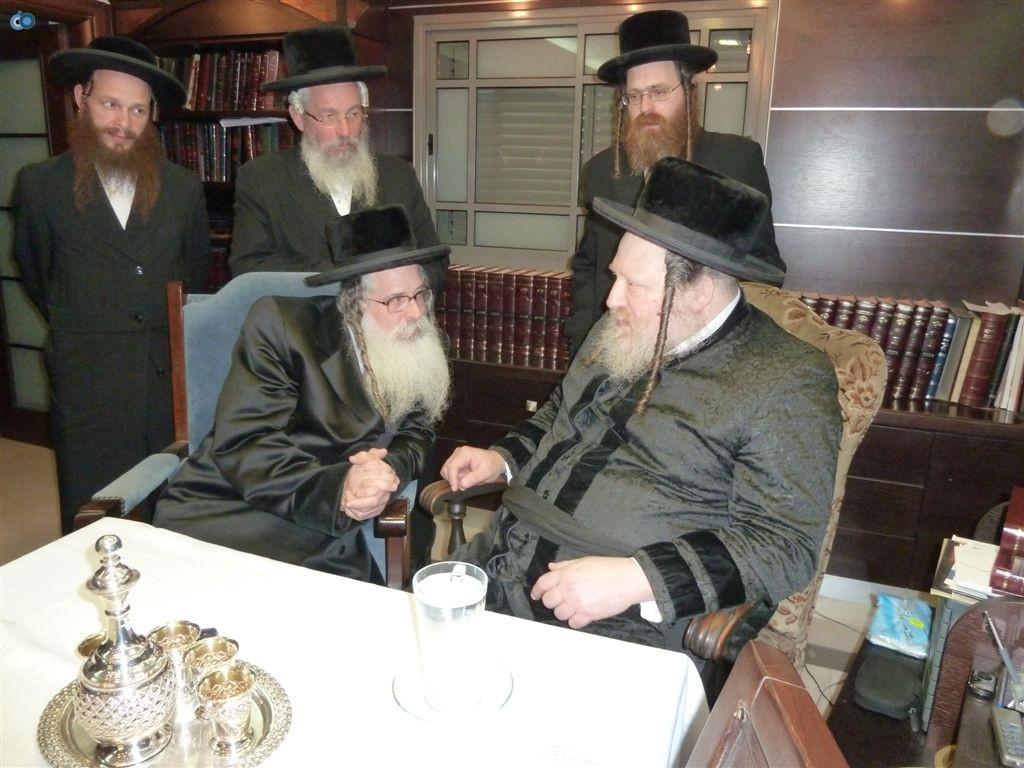 ביקור האדמו''ר מנדבורנא ירושלים אצל כ''ק מאד''ש (2)