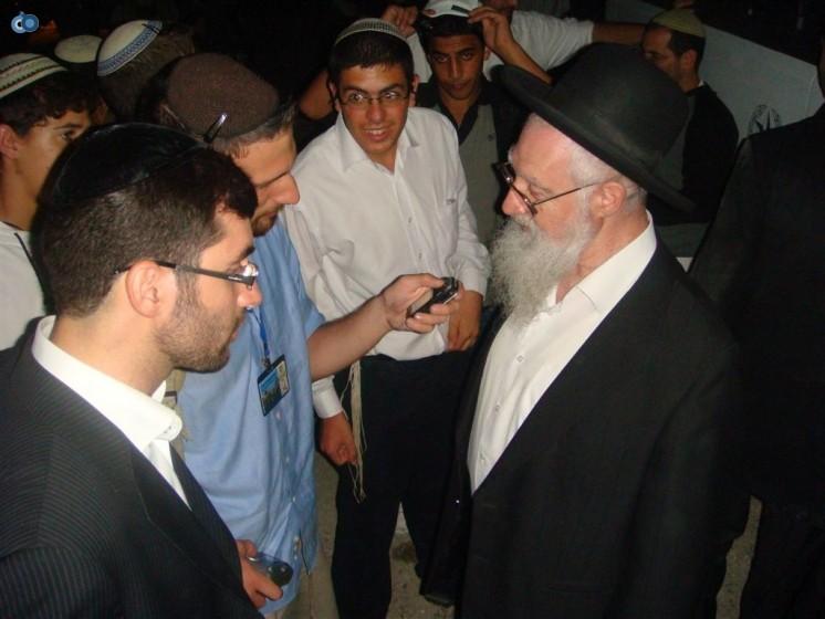 הרב יעקב יוסף בקבר יוסף הצדיק - 2