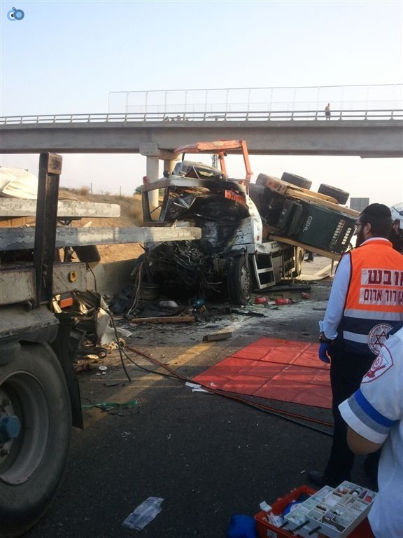 תאונה בין משאיות בכביש 6 (4)