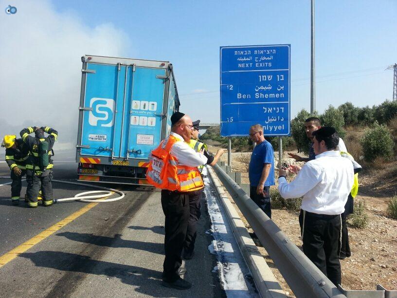 תאונת רכב ומשאית שעלו באש (6)