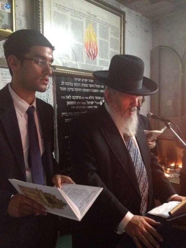 רבי רפאל אדרי על קבר חבקוק הנביא בסליחות (8)