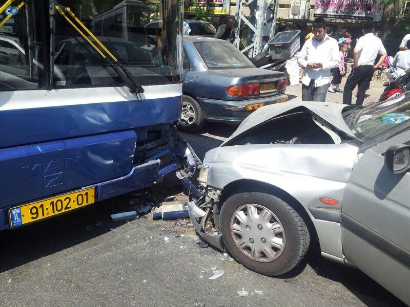 תאונה בבני ברק עם רכב אוטובוס אופנוע (6)