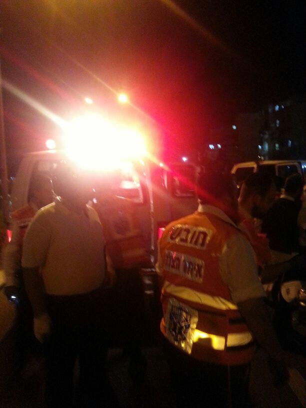 תאונה הצלה רכב פגע בחרדית (2)