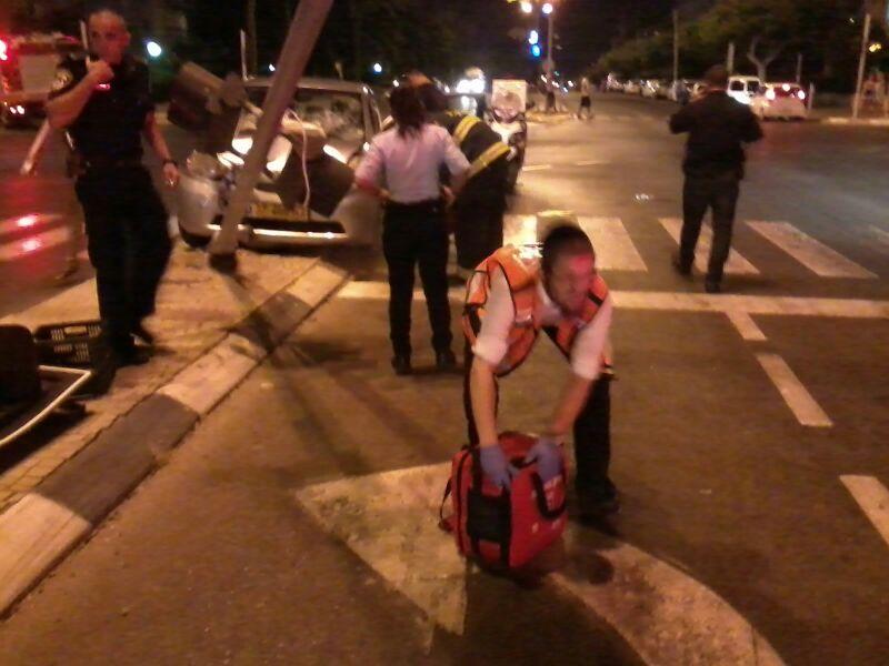 תאונה רוכבת אופניים נפגעה מרכב (14)