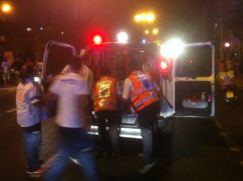 תאונה רוכבת אופניים נפגעה מרכב (17)