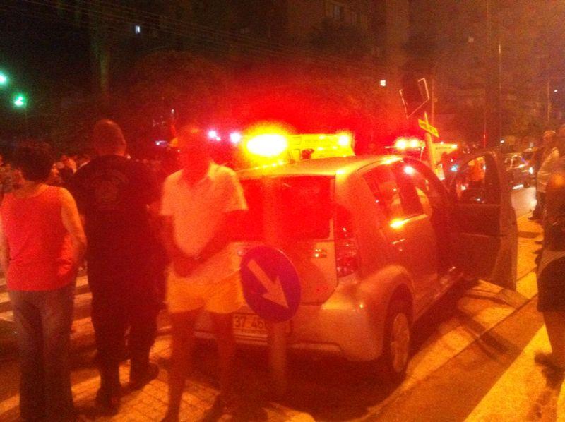 תאונה רוכבת אופניים נפגעה מרכב (5)