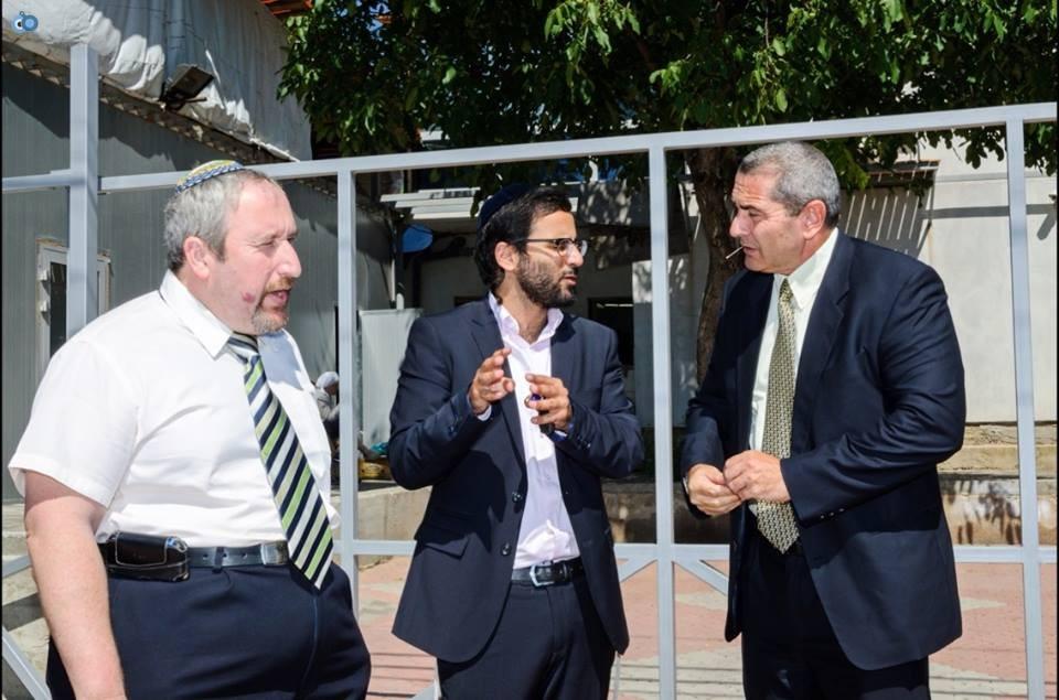 בסיור היערכות עם אנשי השגרירות הישראלית