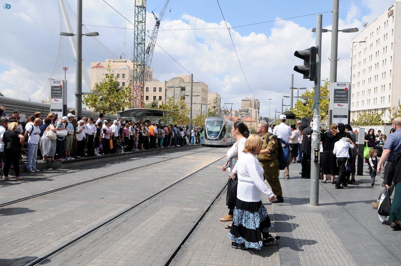מאות אלפי נוסעים ברכבת הקלה במהלך חול המועד
