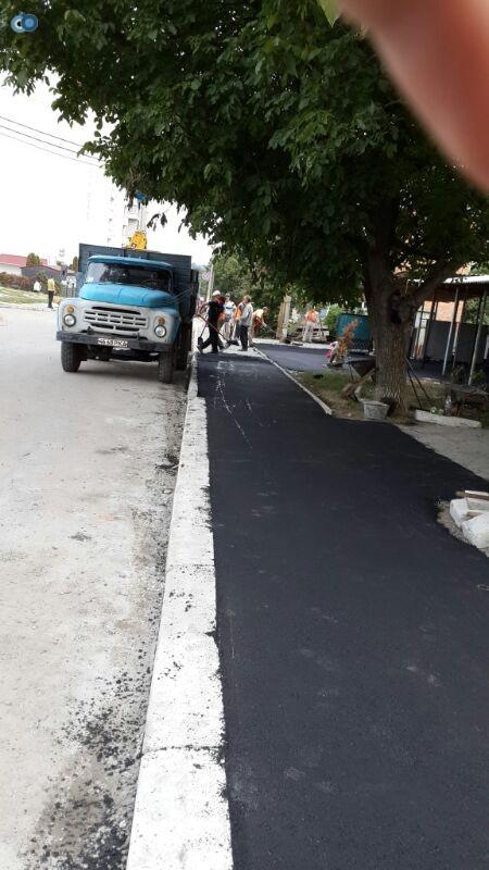 מדרכות חדשות ברחוב הסמוך לציון