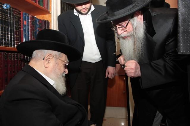 בביקור בבית הרב עובדיה יוסף - תשס''ח (3)