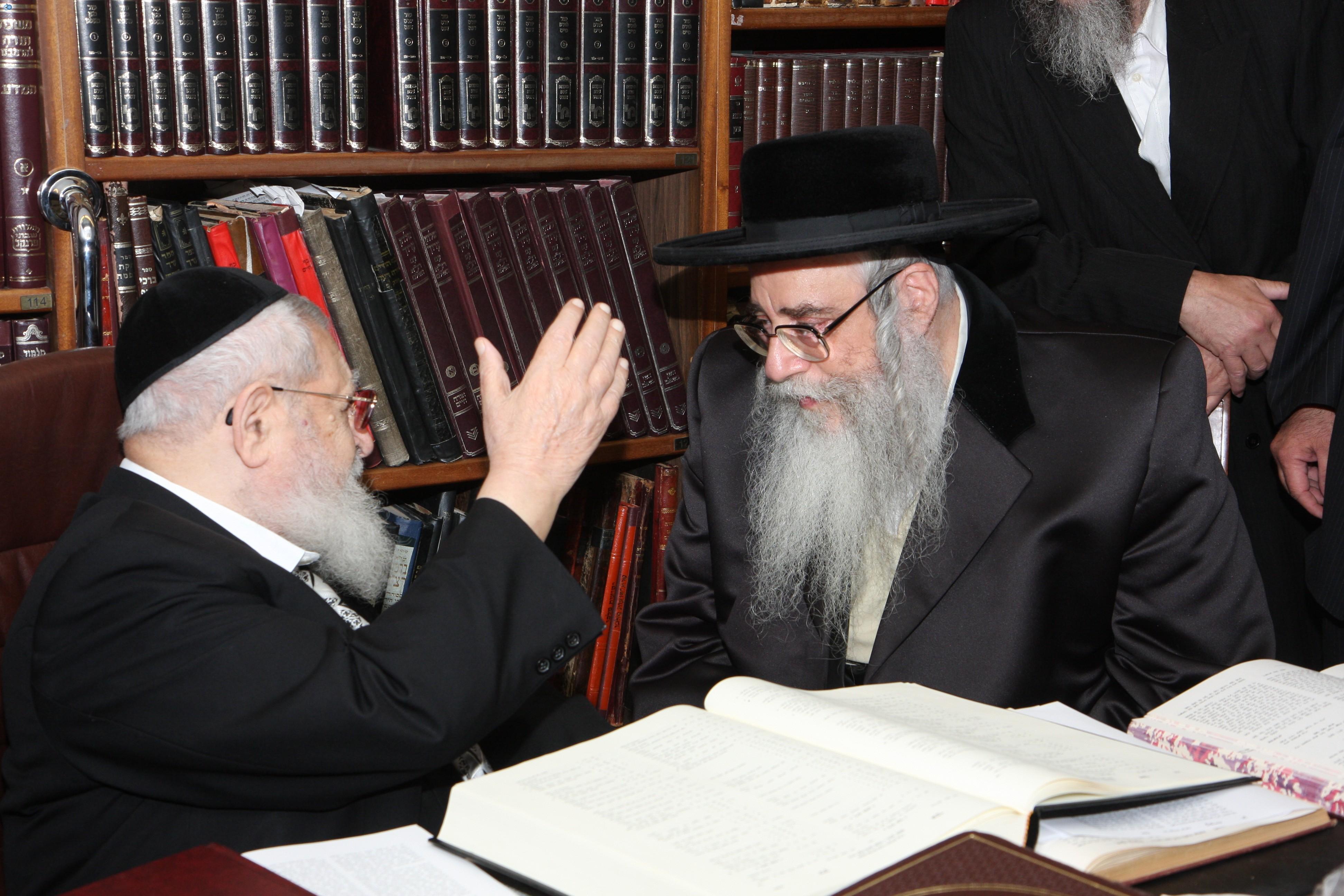 בביקור בבית הרב עובדיה יוסף - תש''ע (2)