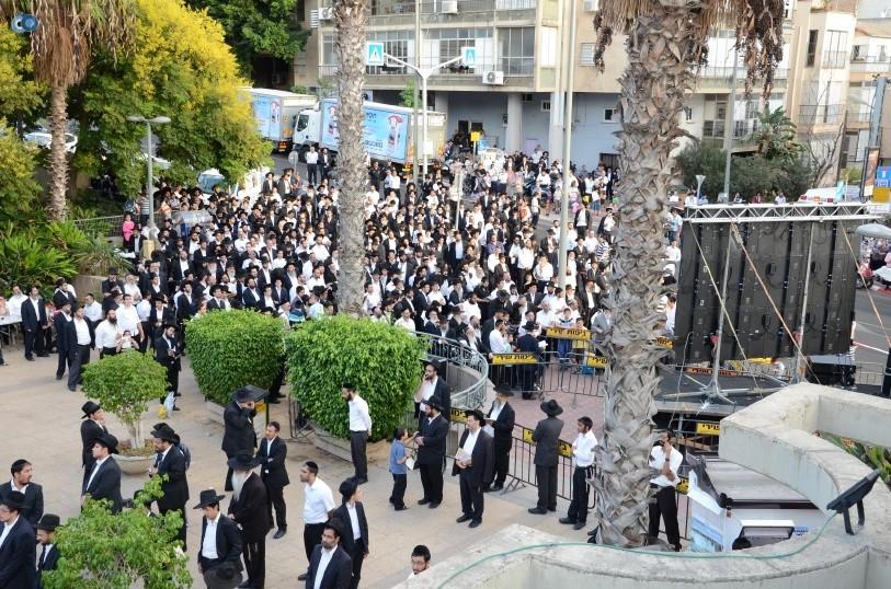 עצרת המונים ש''ס הרב יוסף יצחק (17)