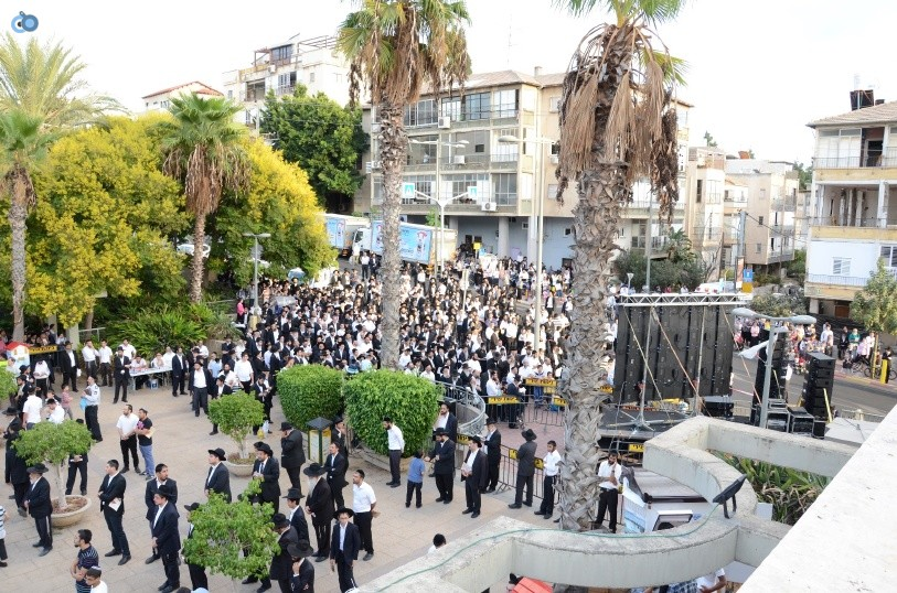 עצרת המונים ש''ס הרב יוסף יצחק (18)
