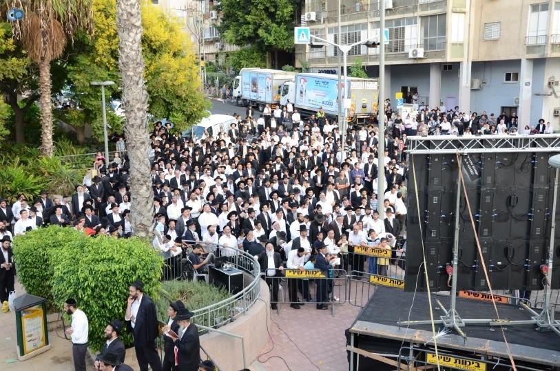 עצרת המונים ש''ס הרב יוסף יצחק (19)