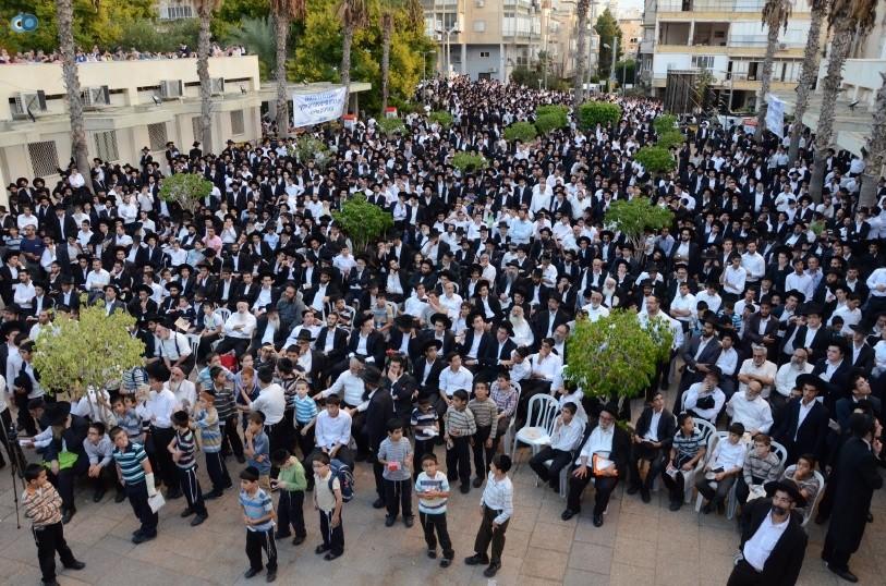 עצרת המונים ש''ס הרב יוסף יצחק (40)