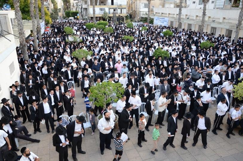 עצרת המונים ש''ס הרב יוסף יצחק (6)