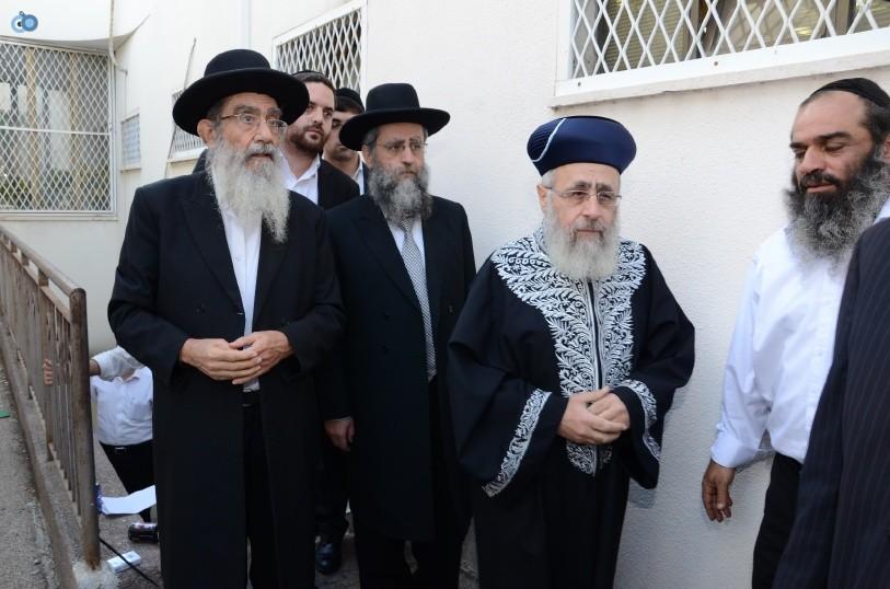עצרת המונים ש''ס הרב יוסף יצחק (8)