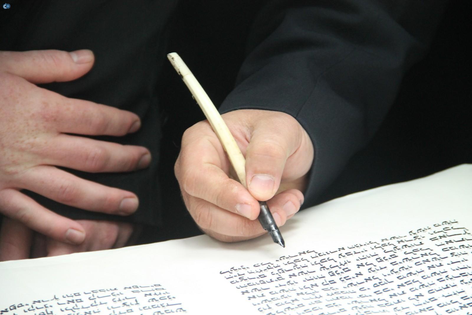 אלישמע סנדמן - דוברות אור הרשביהכנסת ספר תורה של מרן לרשבי  (30)