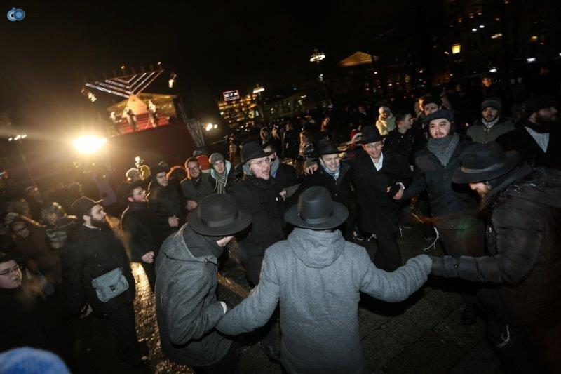 הדלקת נרות חנוכה ברוסיה חדשות 24 (18)