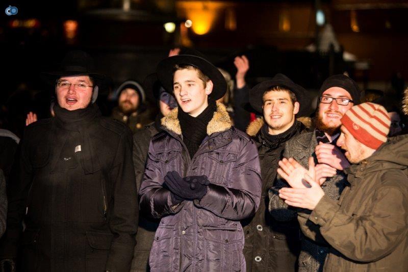 הדלקת נרות חנוכה ברוסיה חדשות 24 (28)