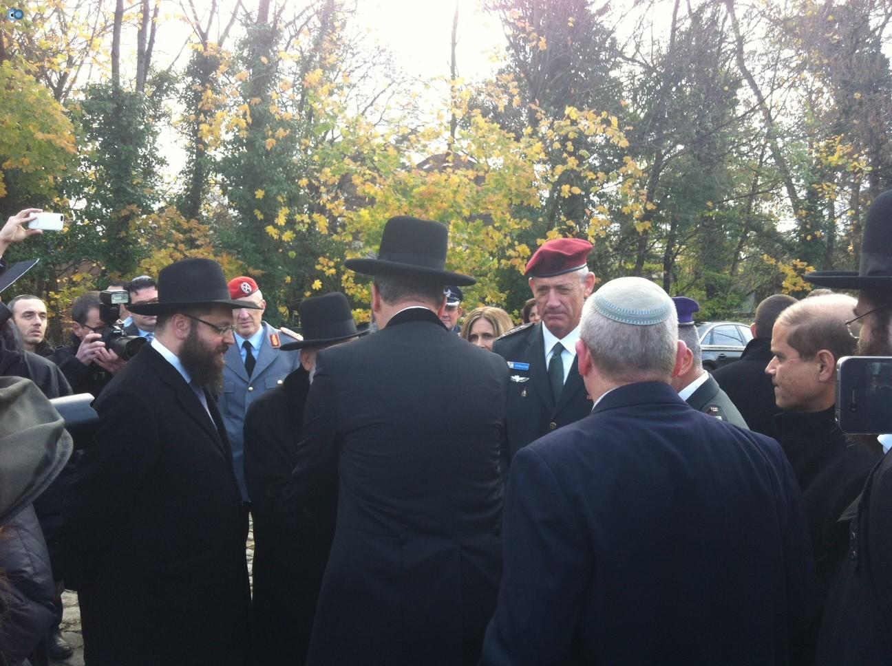 הרמטכל גנץ הרב הראשי ורבני הקהילה בברלין