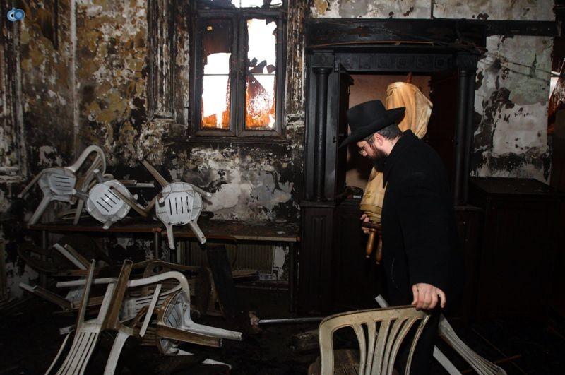שריפה הרס בלרוס בית כנסת (20)