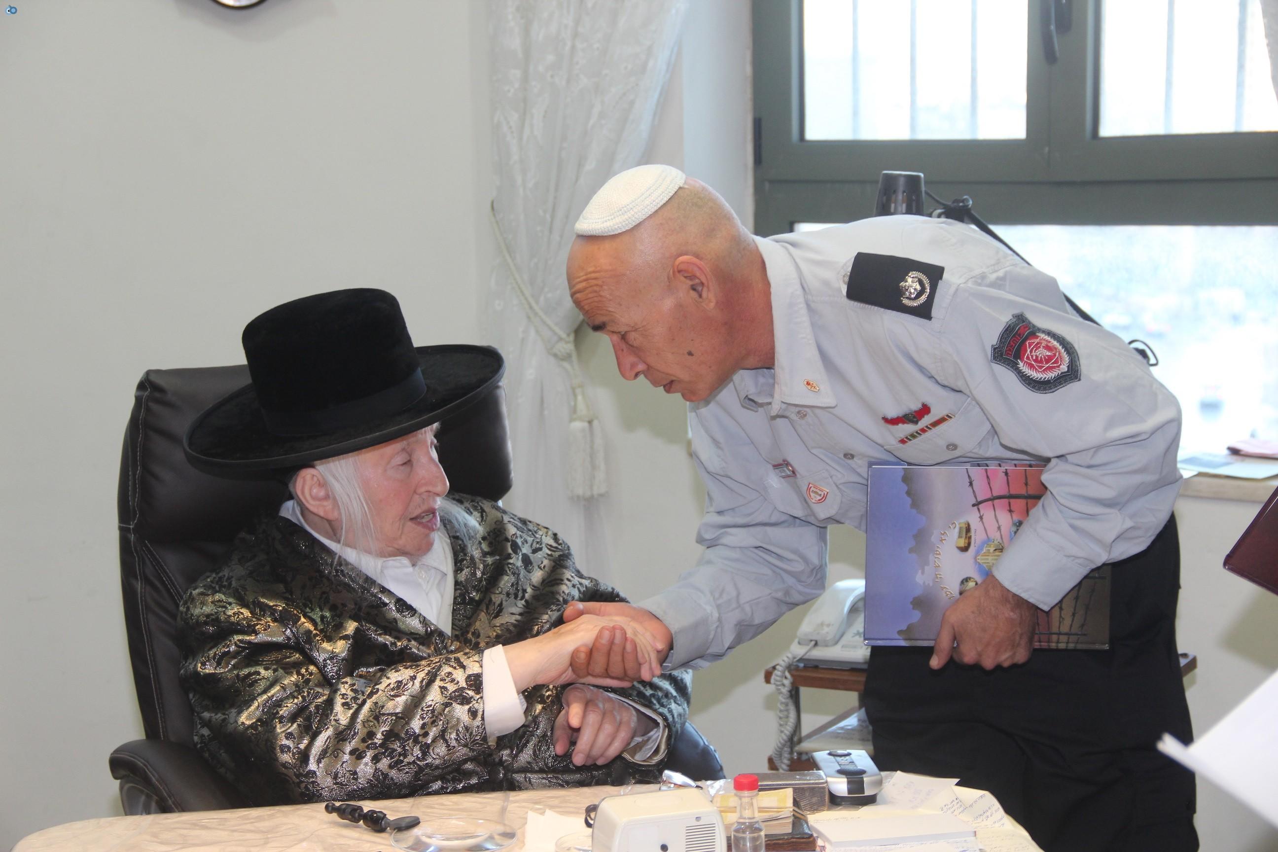 אלי בסון, שוכי בנדיקט ראשי מכבי  האש בירושלים (12)