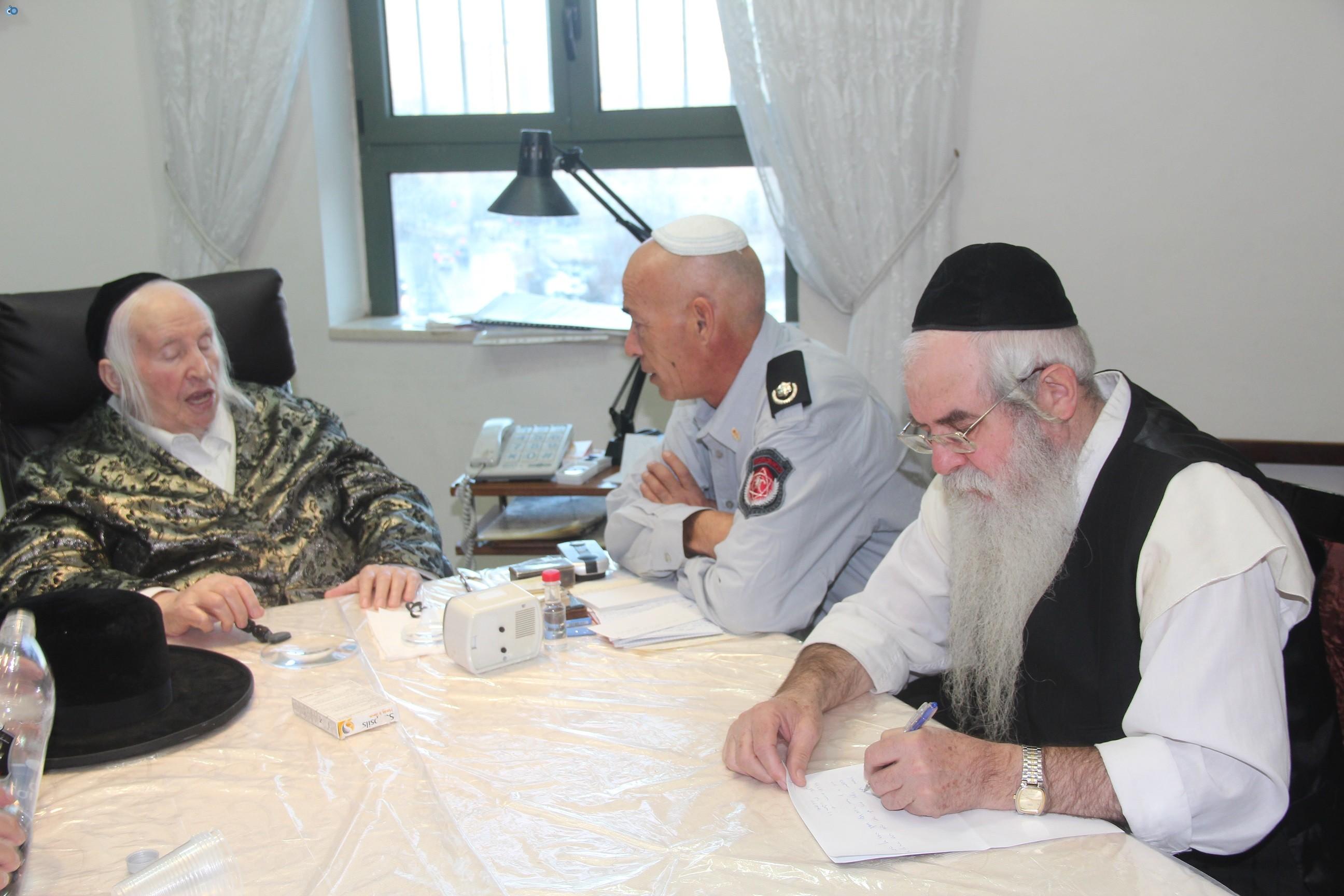 אלי בסון, שוכי בנדיקט ראשי מכבי  האש בירושלים (5)