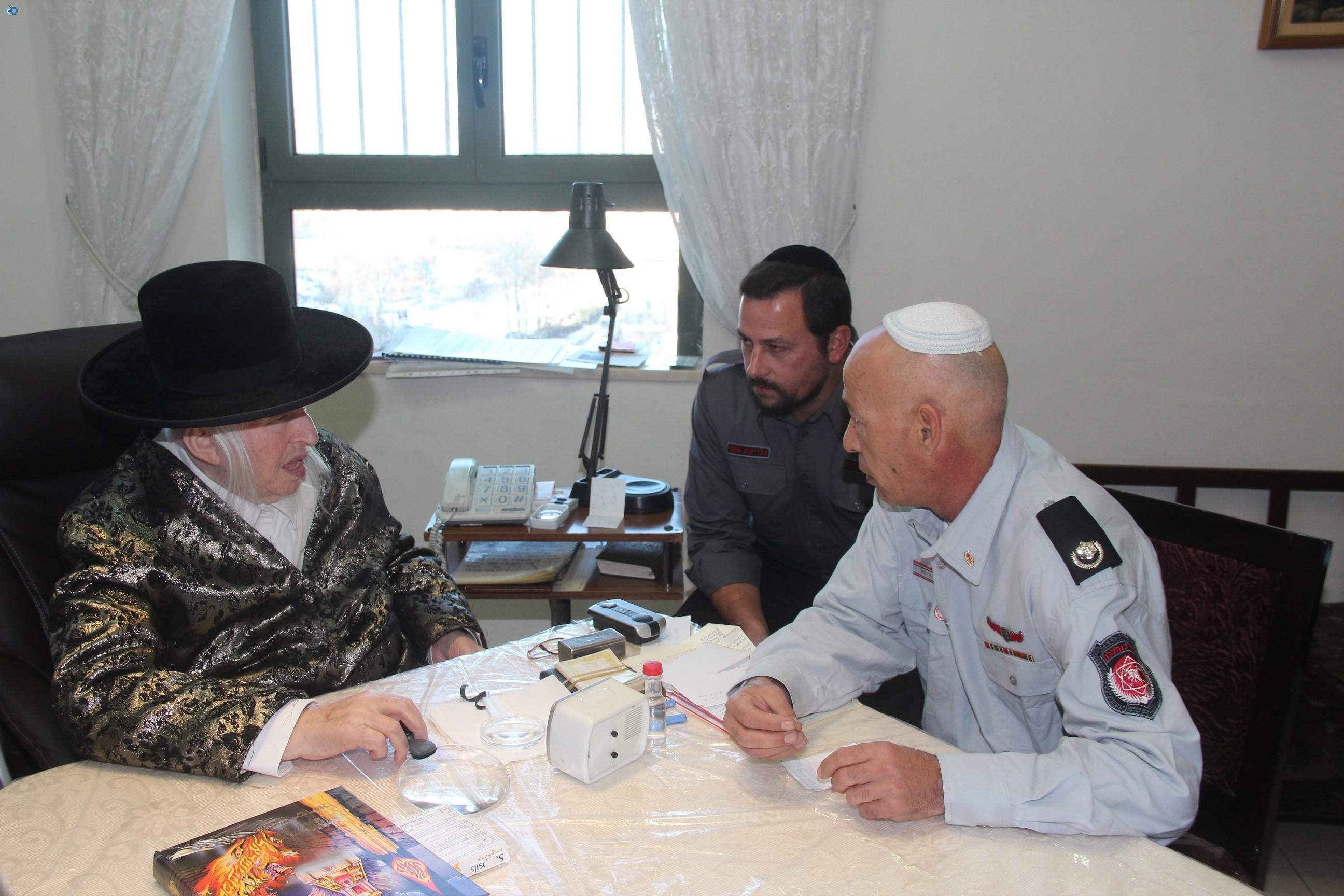 אלי בסון, שוכי בנדיקט ראשי מכבי  האש בירושלים (8)