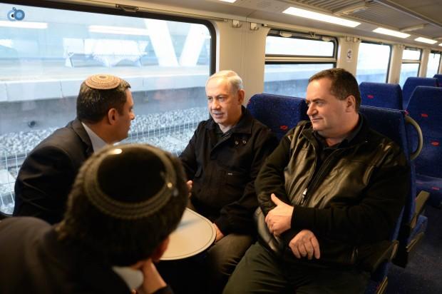 ביקור ראש הממשלה בנימין נתניהו בשדרות, חנוכת תחנת הרכבת בעיר. צילום - קובי גדעון לע''מ-4- 24.12.12