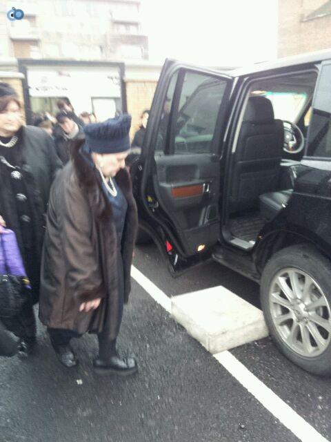 ביקור   רבנית  מבעלזא  לונדון סמינר  צילם  שוקי  ברנשטיין (10)