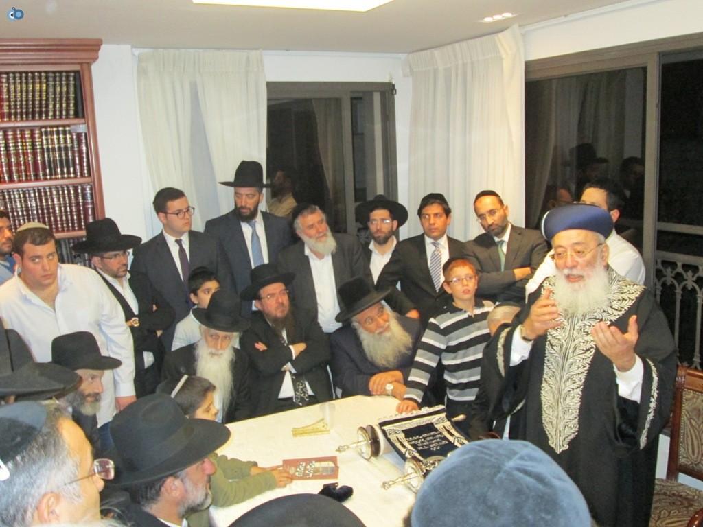הכנסת ספר תורה אצל הרב עמאר (5)