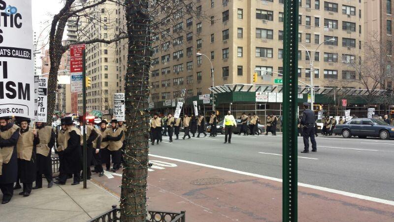 הפגנה נגד  הגיוס במנהטן חרדים   צילם  מוטי קליין 24 (2)