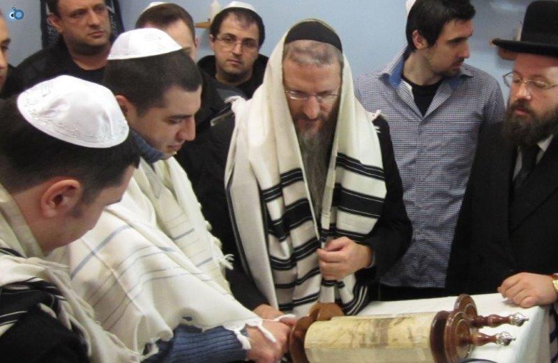 כלא בוטירסקי, קריאת התורה בראש חודש טבת עם האסירים היהודים