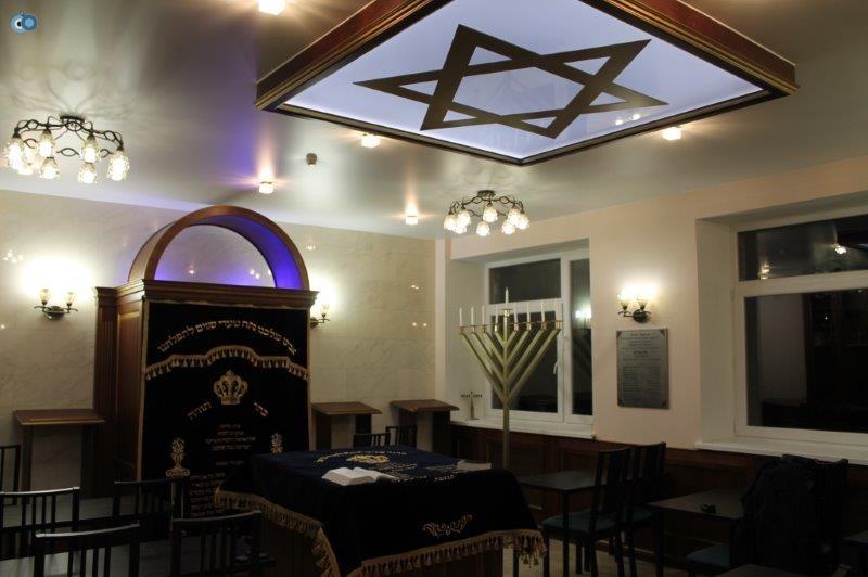 לוברצי, היכל בית הכנסת החדש שם הוא נחנך בחג החנוכה