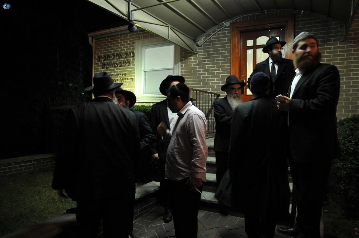 ליברמן בקברו של הרב'ה מחבד (88)