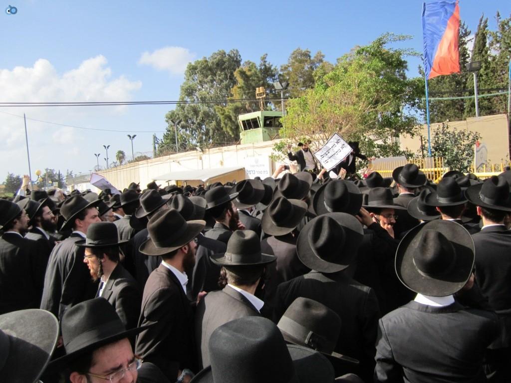 עצרת בראשות הרב אויערבאך (19)