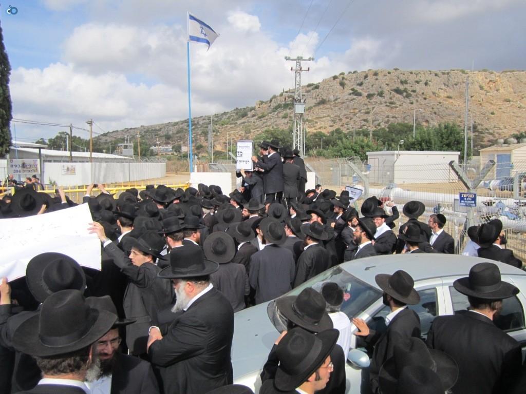 עצרת בראשות הרב אויערבאך (22)