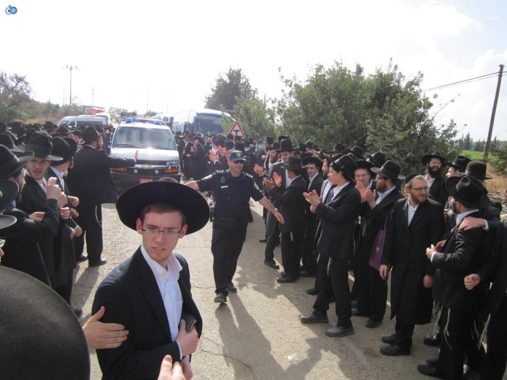 עצרת בראשות הרב אויערבאך (3)
