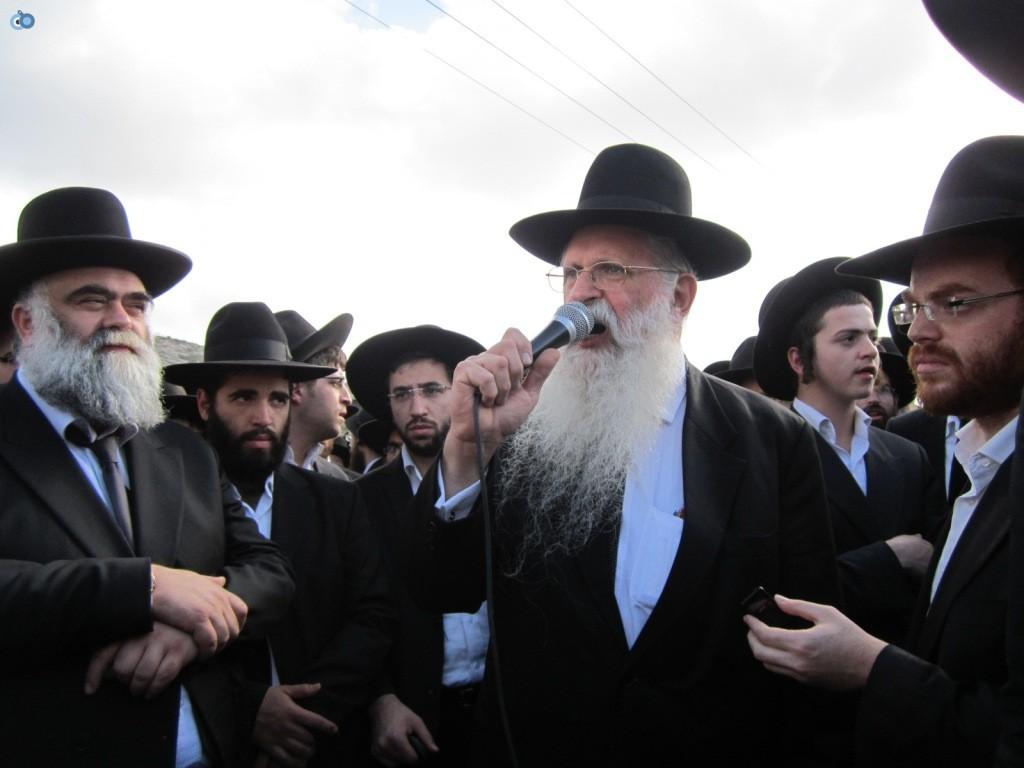 עצרת בראשות הרב אויערבאך (31)