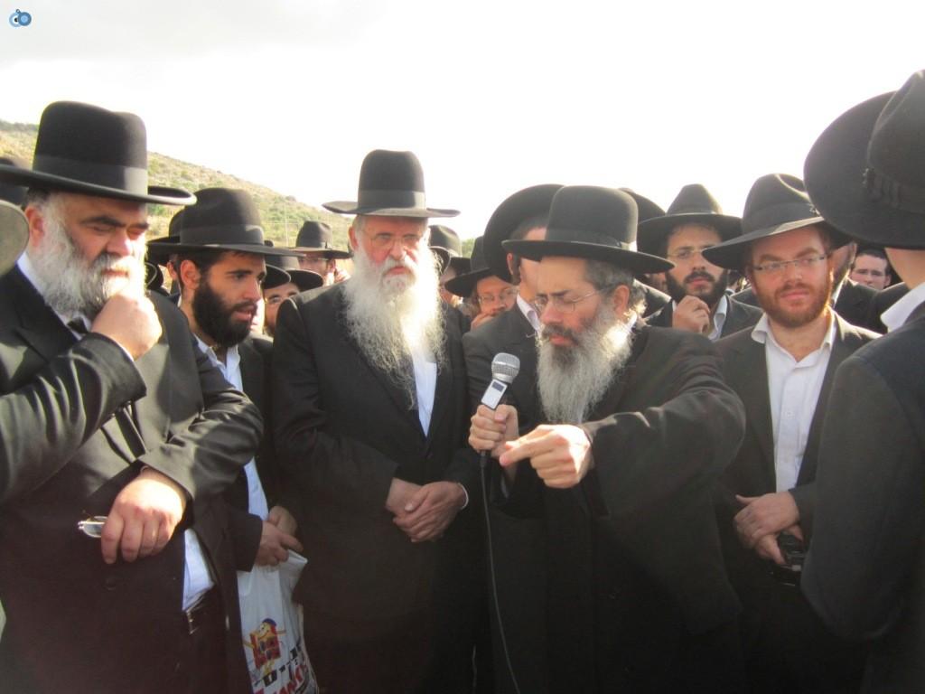 עצרת בראשות הרב אויערבאך (32)