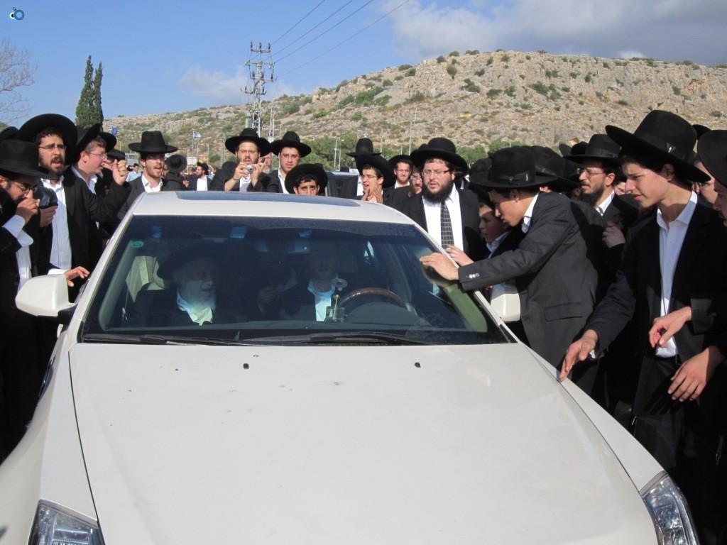 עצרת בראשות הרב אויערבאך (36)
