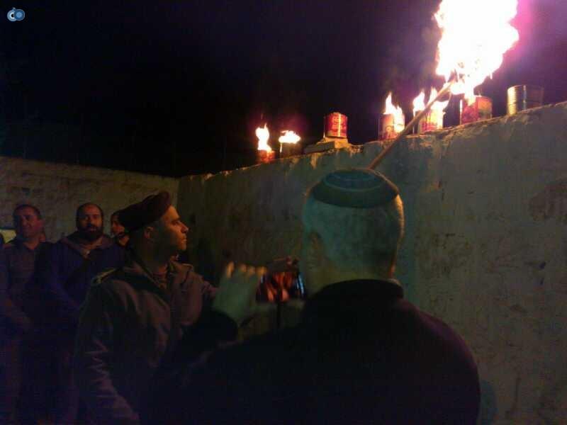 קבר יוסף-הדלקת נרות חנוכה- צילום, מינהלת קבר יוסף (2)