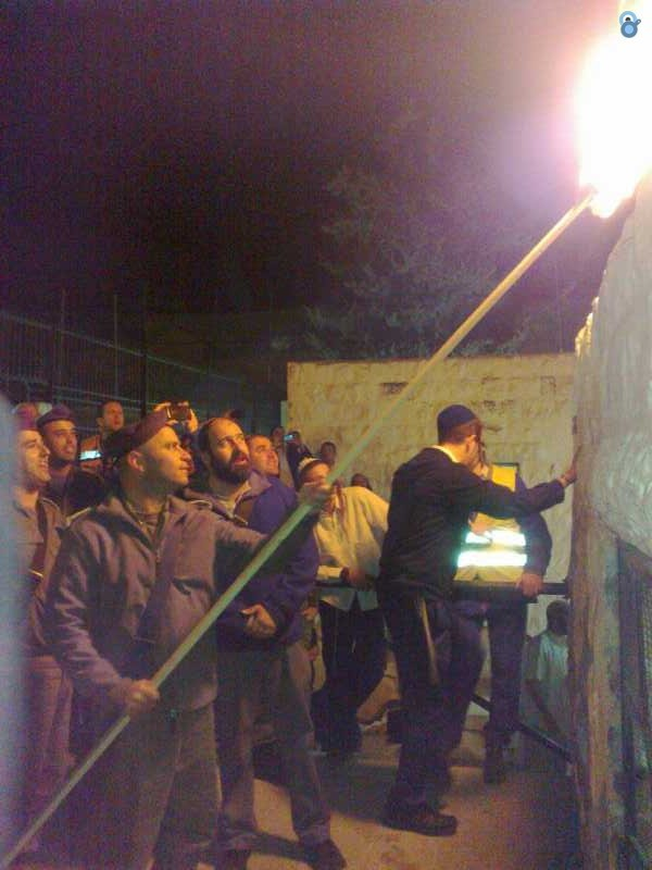 קבר יוסף-הדלקת נרות חנוכה- צילום, מינהלת קבר יוסף (1)