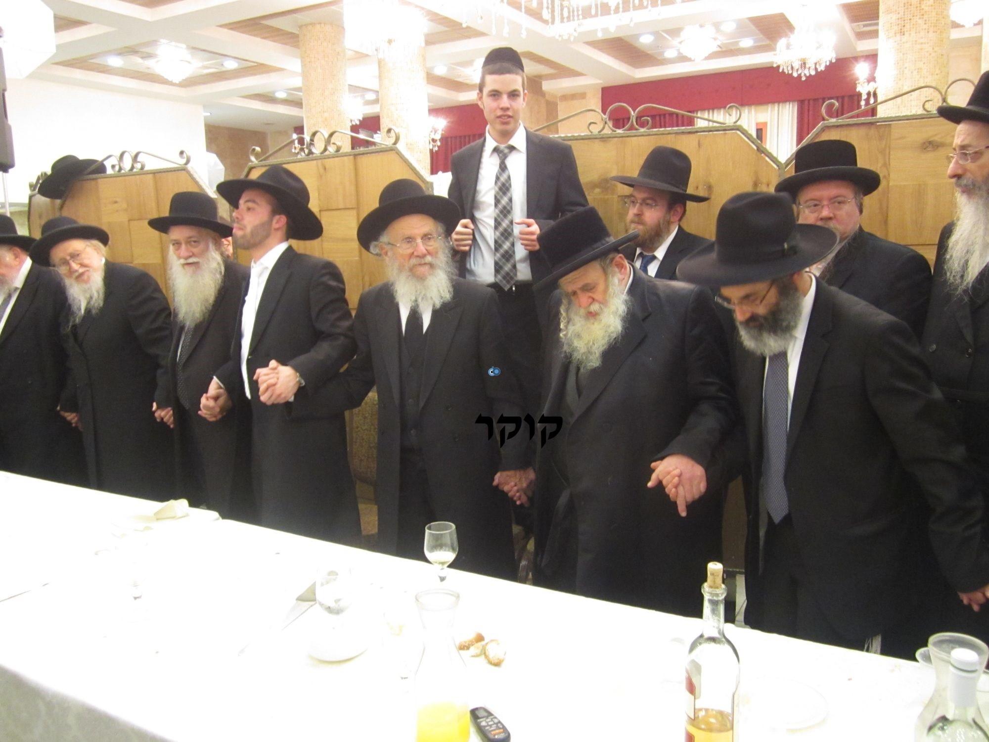 אדמו''ר מ טשערנוביל מטשערנוביל, חתונה, הרב יעקב אדלשטיין אדלשטין (11)