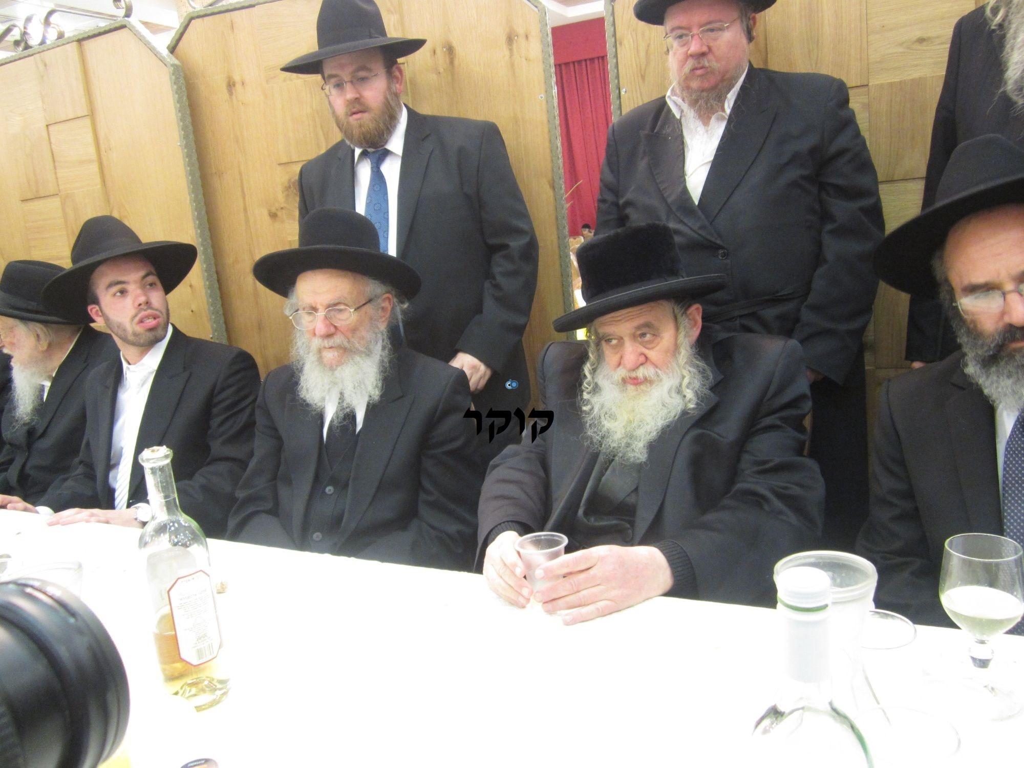 אדמו''ר מ טשערנוביל מטשערנוביל, חתונה, הרב יעקב אדלשטיין אדלשטין (2)