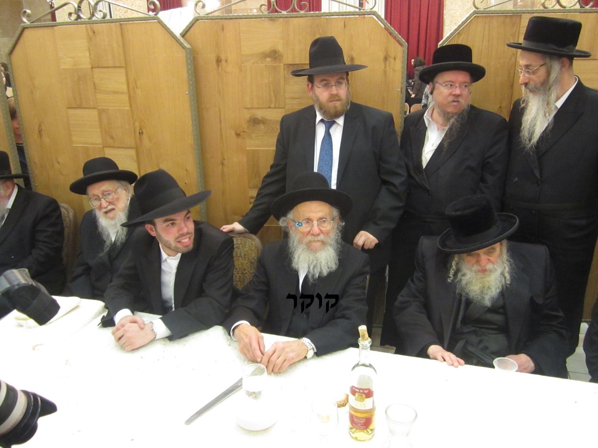 אדמו''ר מ טשערנוביל מטשערנוביל, חתונה, הרב יעקב אדלשטיין אדלשטין (5)