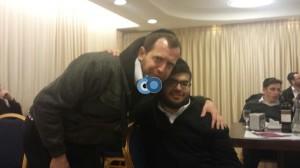 העורק בחיבוק פרידה עם העיתונאי שמעון ליברטי