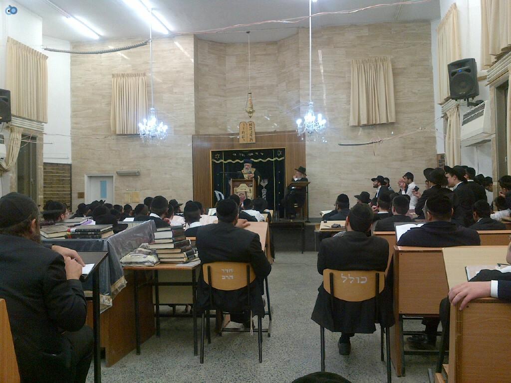 הגר''י יוסף, ביקור, ישיבת הנגב, בחורים, חרדים, צילם אוצר ההלכה (4)