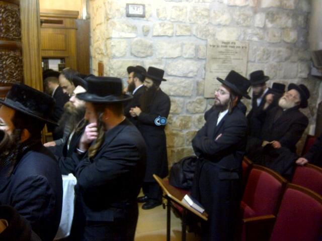 יום עיון חרדים נדבורנא רובע היהודי צילם 24 (26)